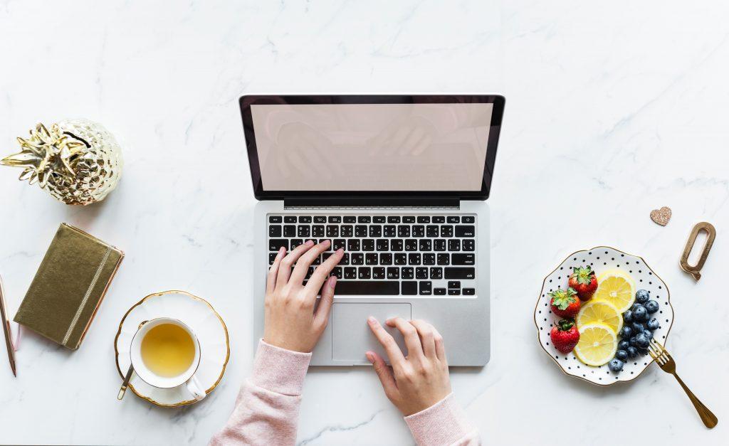 malos habitos de los emprendedores - comer de cualquier manera